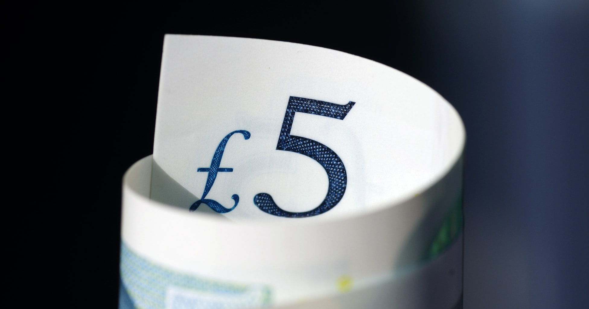 help to buy deposit five pound note